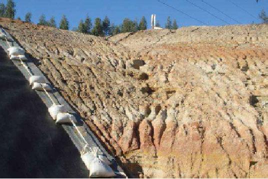 Exemplo de superfície degradada, que precisa ser refeita.